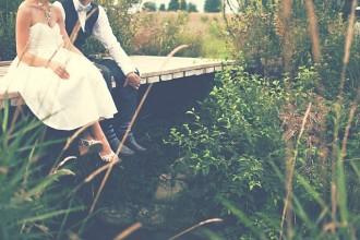 Jak vybrat dárek na svatbu? Máme 5 tipů, co novomanžele zaručeně potěší